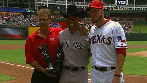 7f3eaa5a907a1 Texas Rangers honor Mariano Rivera prior to game - Video