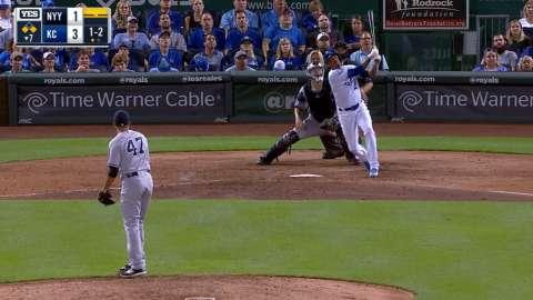 Video: Escobar hits a three-run homer
