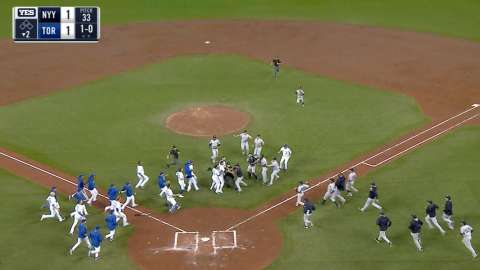Video: Benches clear in Toronto