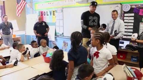 Video: Yankees visit BX public schools