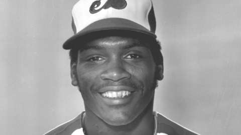 Video: Raines elected to Hall of Fame