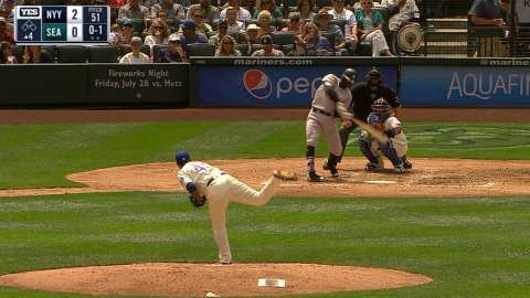 Video: Didi's second homer of the game
