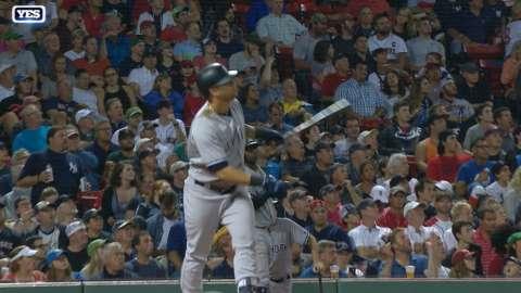 Video: Sanchez's homer ties the game