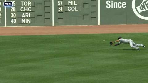 Video: Hicks' diving grab in the second