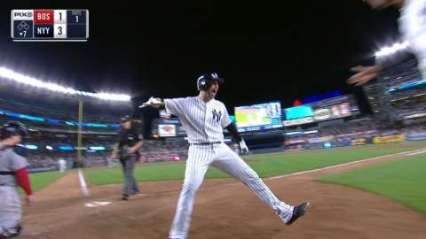 Video: Walker goes yard for the Yankees