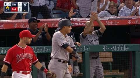 Video: Estrada's first Major League hit