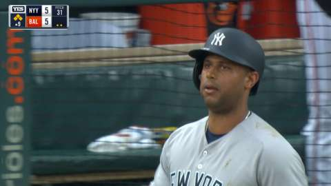 Video: Hicks walks in go-ahead run
